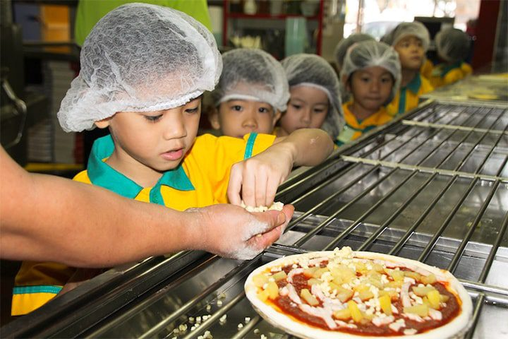 Pizza Making at Dominos